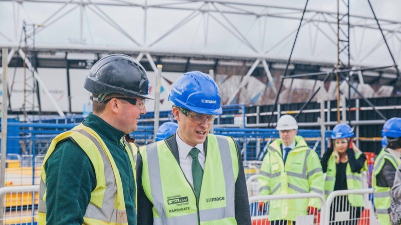 Gavin Williamson visits Mace apprentices
