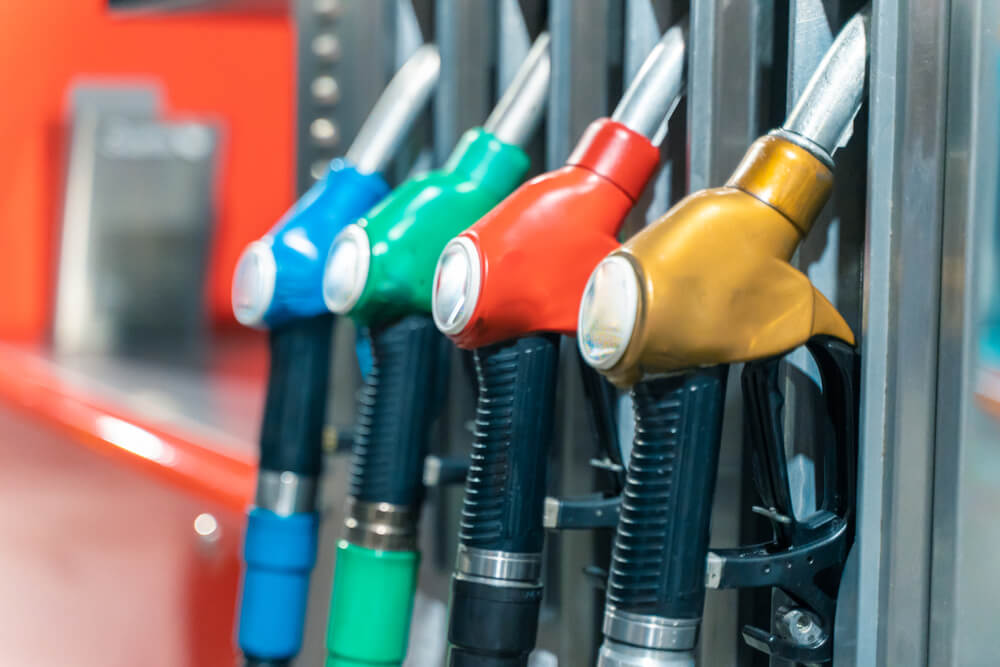 PM calls for petrol and diesel ban by 2035